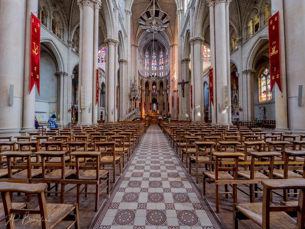 Notre Dame de Cholet 47938459452_4cfb44bb88_b