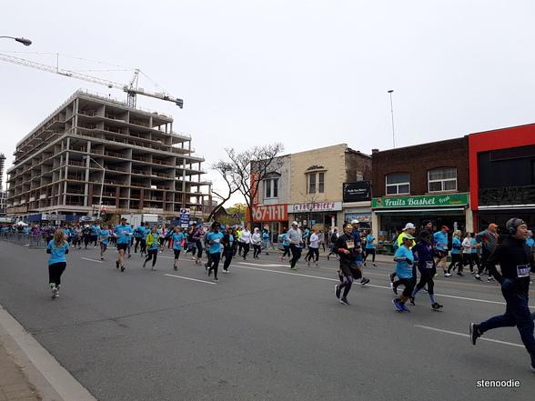 Sporting Life 10K Toronto runners