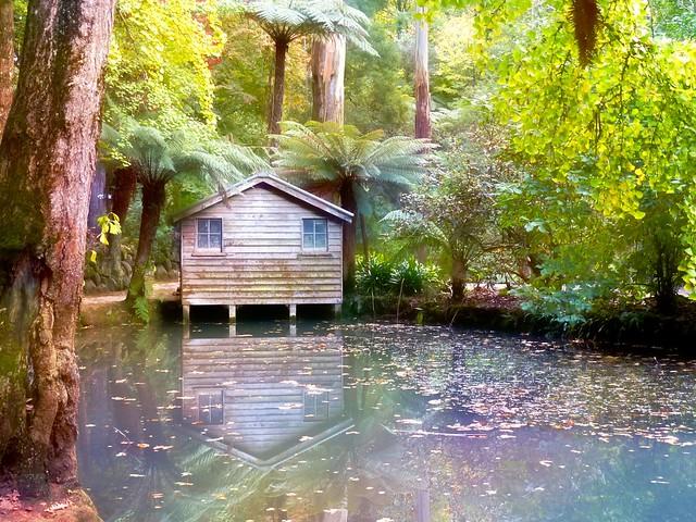 Alfred Nichols Memorial Garden - boathouse
