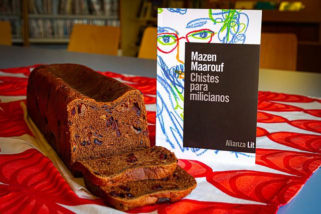 Sesión del club Tres con libros 'Chistes para milicianos' de Mazen Maarouf