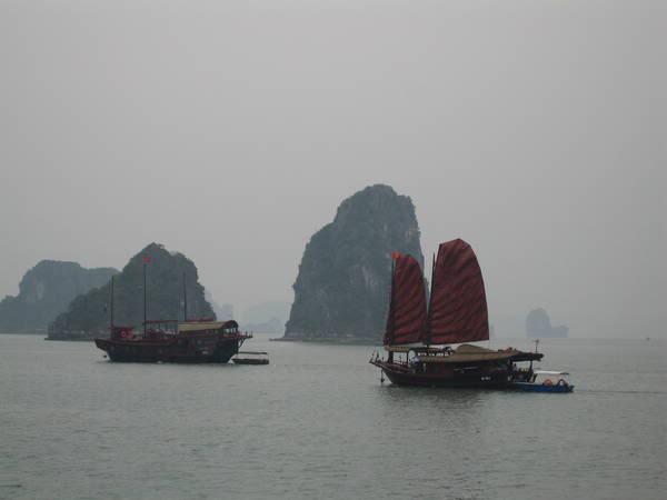 027-Vietnam-Halong Bay
