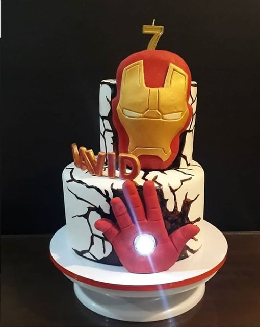 Iron Man Cake by Maria Rmai of LOLS Bakeshop.ph