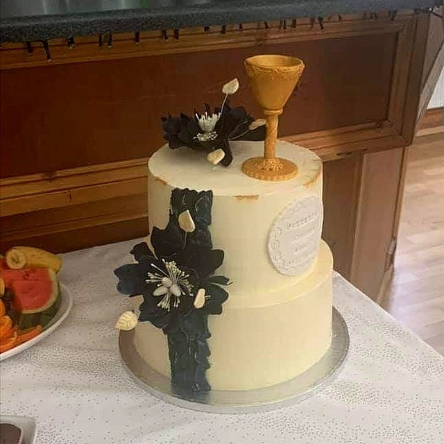 Cake by Aneta Olechno of Lusia Cake