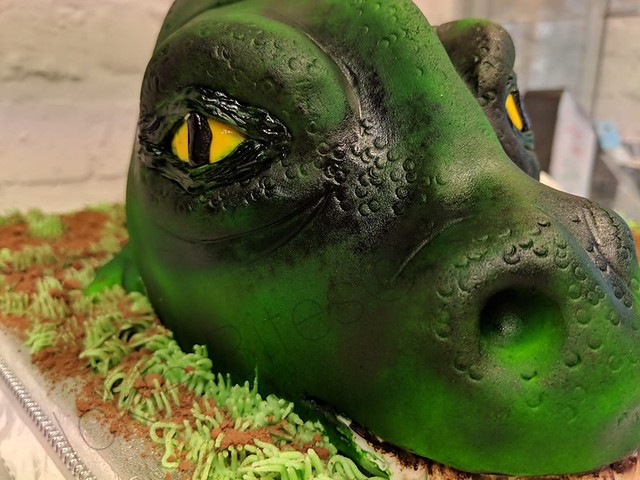 Dino Head Cake by Bridie Earney of Ickle Bites