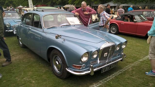 Daimler Sovereign 420