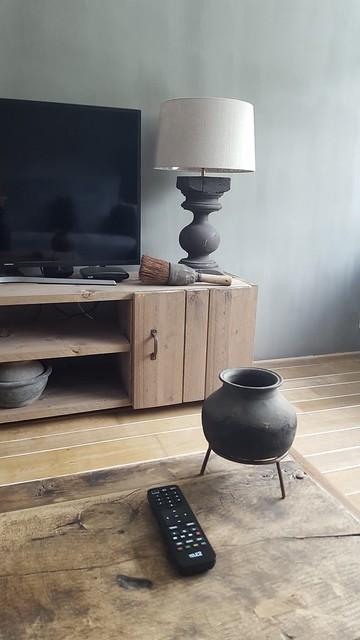 tv meubel landelijk sober inrichten