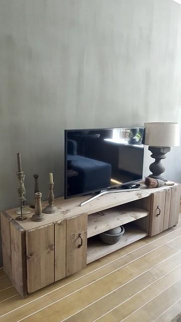 Landelijke tv meubel decoreren