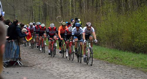 Paris Roubaix 2019 - Arenberg - The Peloton