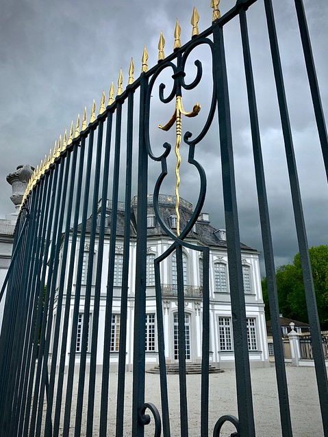 Falkenlust hunting lodge - behind the fence