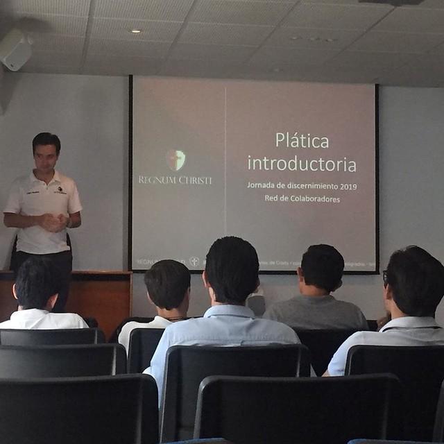 Bernardo Pérez y Pablo Beuchat dan la plática introductoria