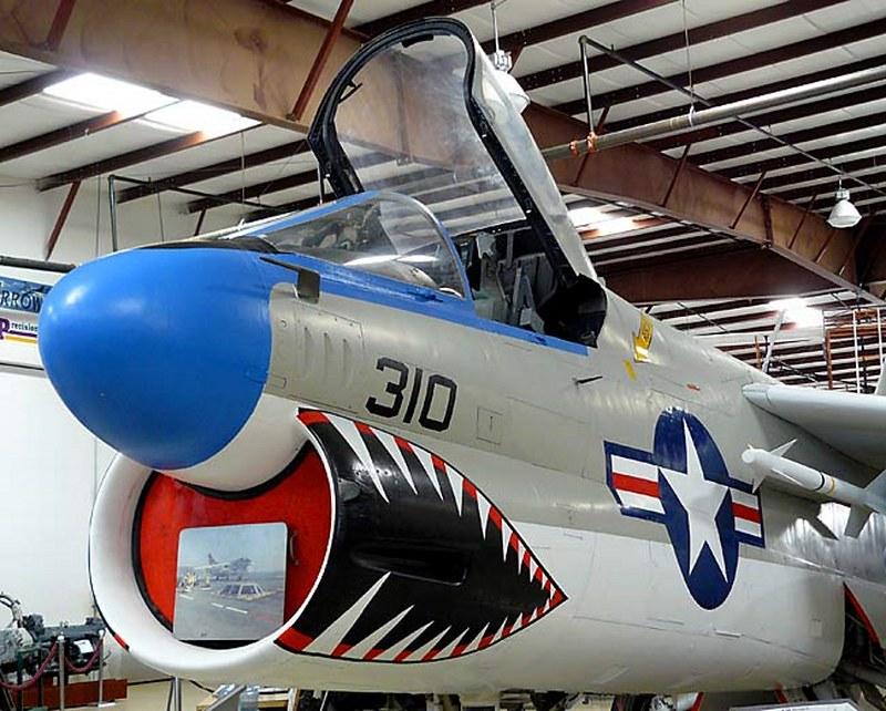 A-7B Corsair II 00003