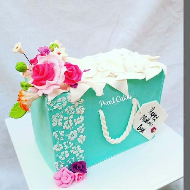 Cake by Kui Gakui of Pearl Cakes