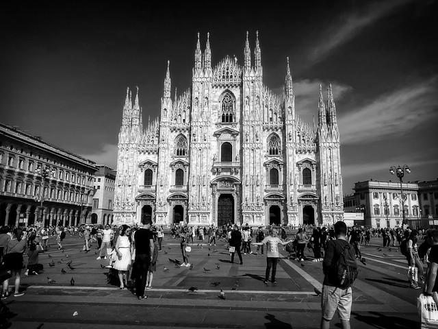 Duomo di Milano and tourists