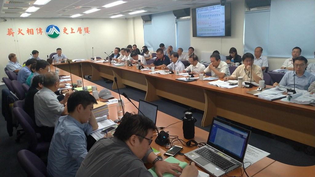 環保署28日進行「興達電廠燃氣機組更新改建計畫」第四次專案小組初審會議。孫文臨攝