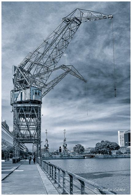 Old Cranes - Viejas Grúas