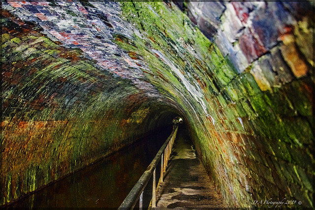 Chirk canal Tunnel DSC_3624
