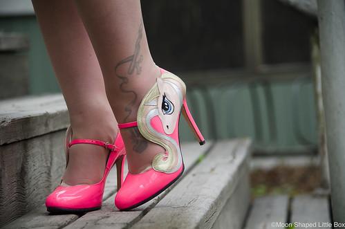 Minna_Parikka_kengat_yksisarvisella