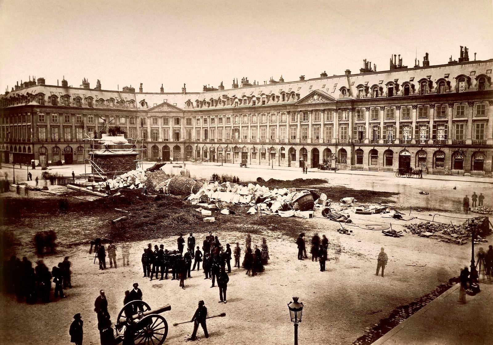 1871. Разрушение колонны на Вандомской площади, 18 мая