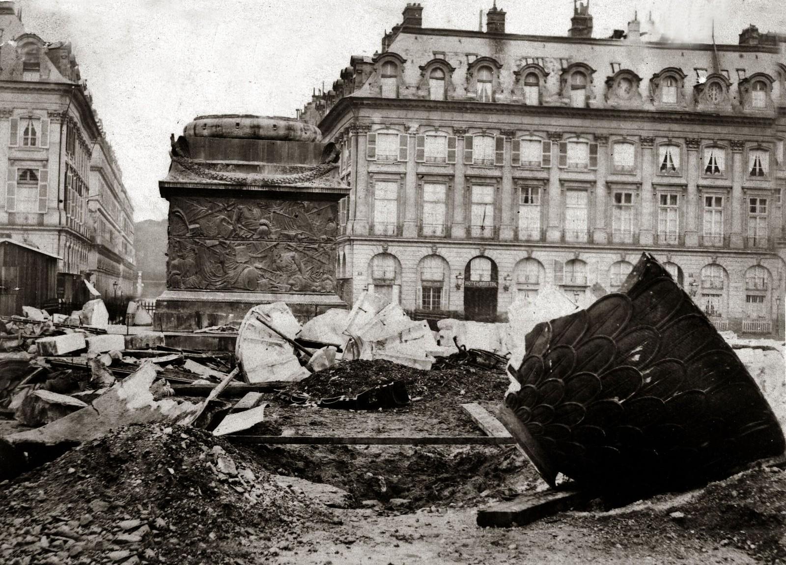 1871. Обломки Вандомской колонны