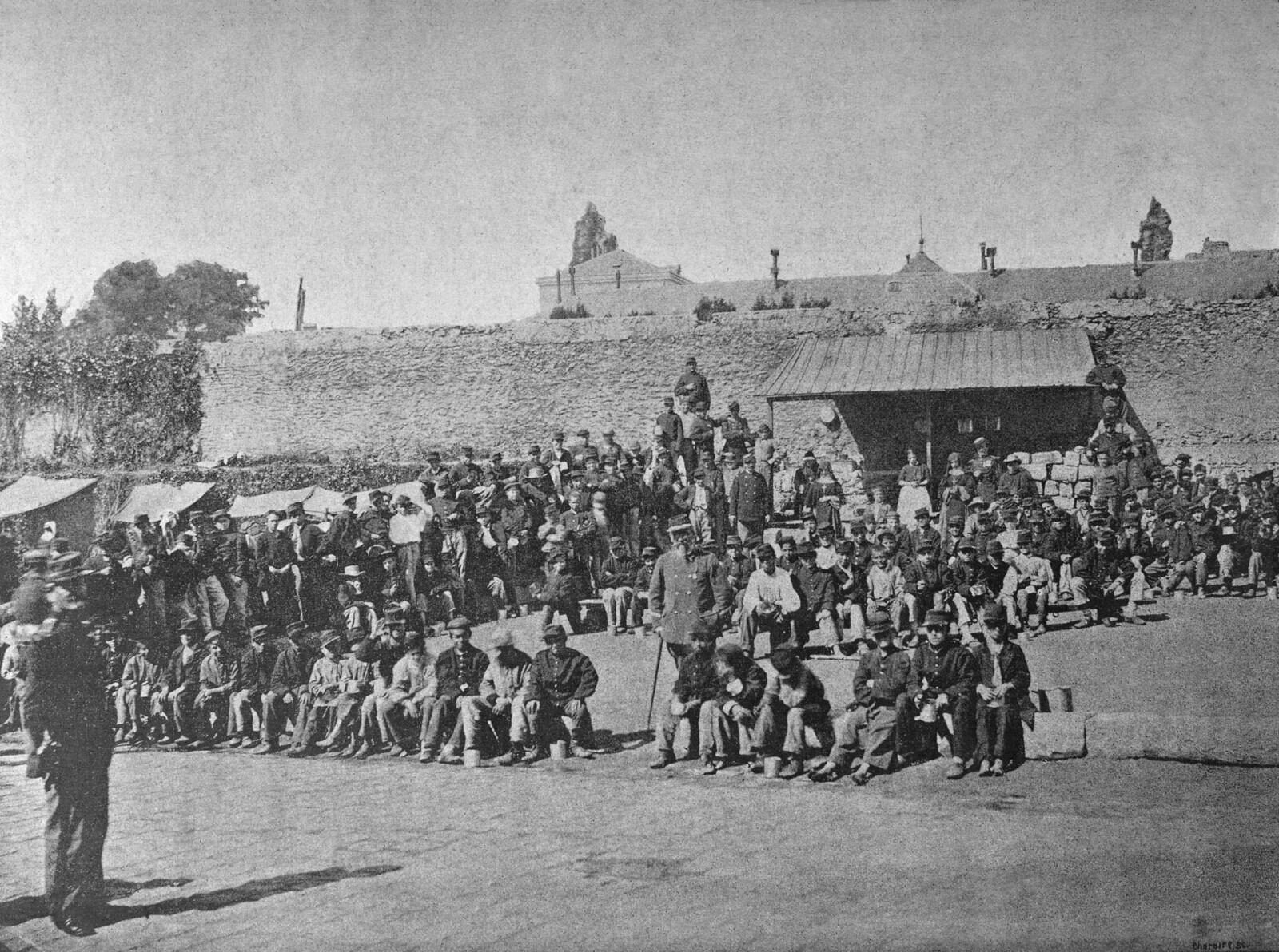 1871.  Задержанные парижские подростки. Версаль. Июнь