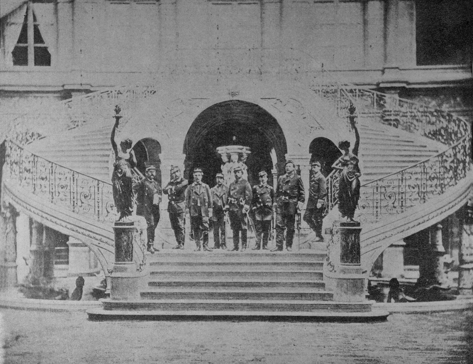 Начальники штаба Французской Коммуны на нижнем этаже ратуши в марте 1871