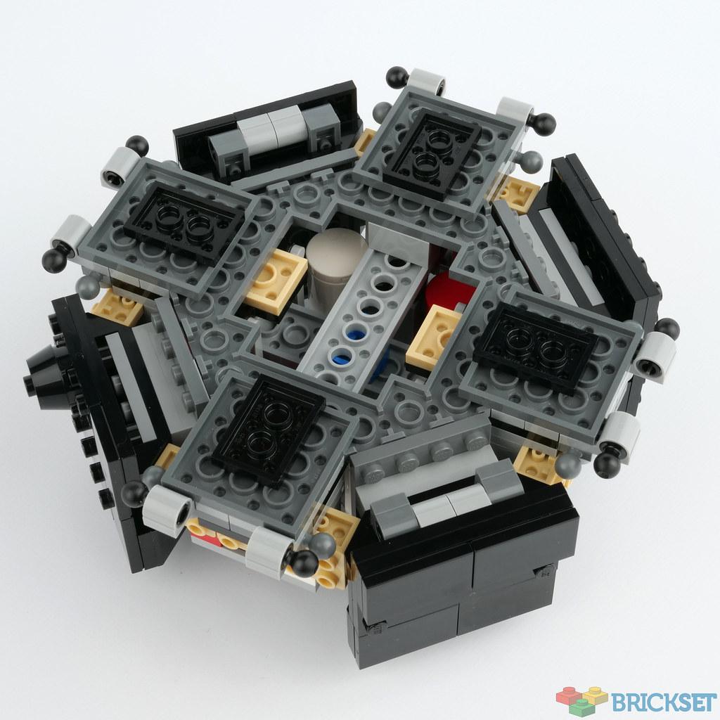 LEGO Creator Expert 10266 NASA Apollo 11 Lunar Lander review