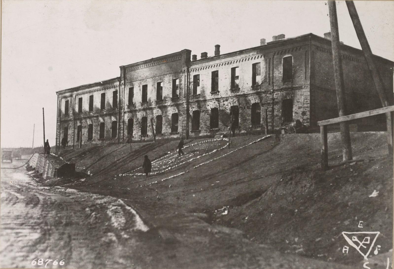 14. Казармы сменного батальона AEFS, которые были уничтожены пожаром. Владивосток