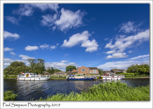 canal water boats southyorkshire barnbydun ships may2019 paulsimpsonphotography sonya77 bluesky imagesof imageof photosof photoof canalboats clouds nature village waterway england britishwaterways grass outdoorlife livingonthewater houseboats