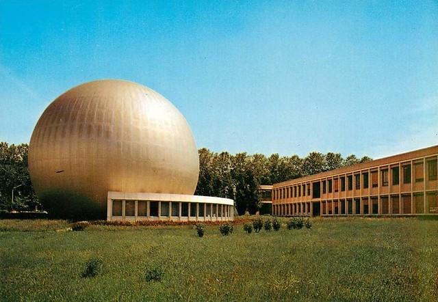 TOULOUSE - Laboratoire d'optique électronique du CNRS.