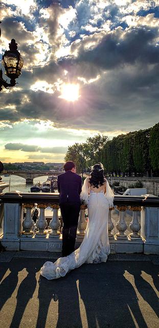 Celebration on Pont Alexandre III