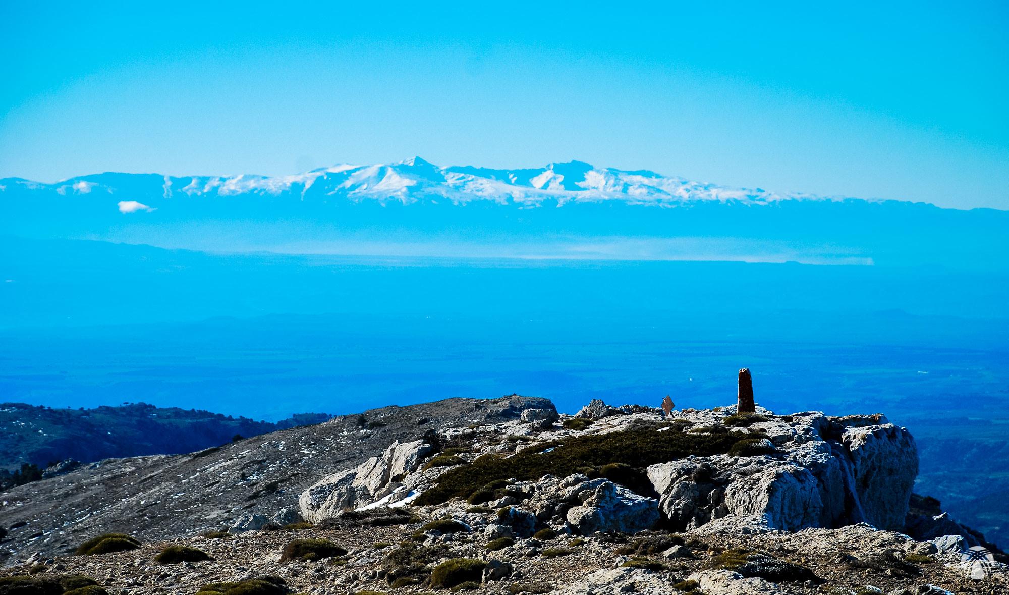 Sierra Nevada domina al sur