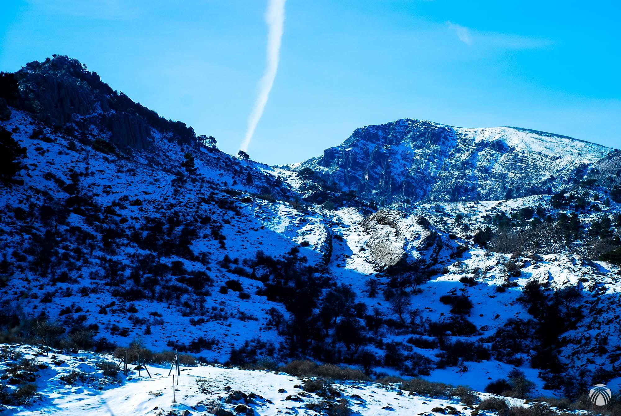 Las Empanadas y el cerro de la Carrasca con su aspecto invernal