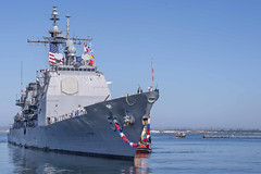 USS Mobile Bay (CG 53) approaches the pier at Naval Base San Diego, May 28. (U.S. Navy/MC3 Chanel Turner)