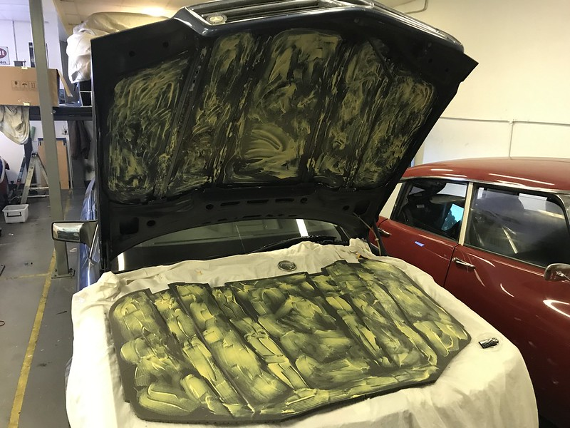 W126 bonnet insulation