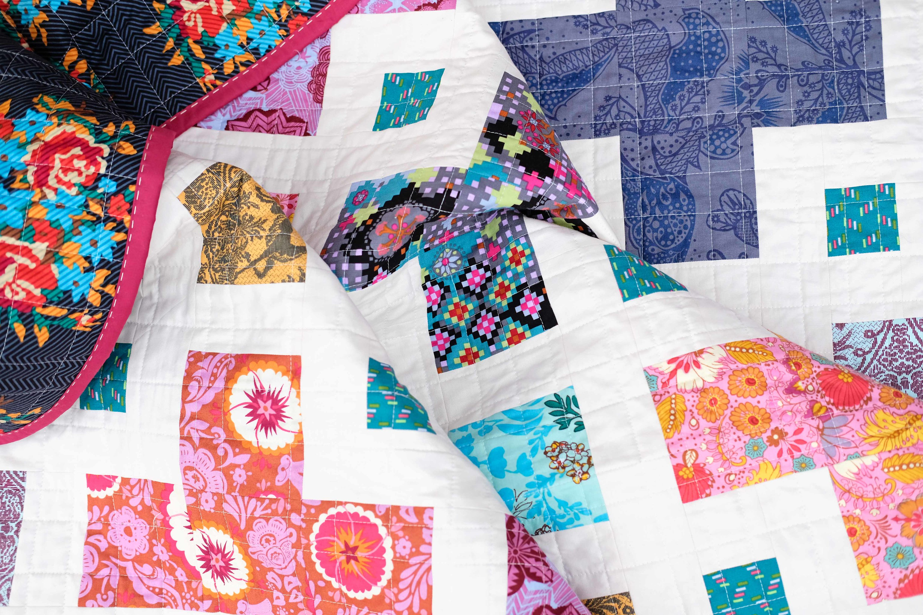 The Violet Quilt - Kitchen Table Quiltingt
