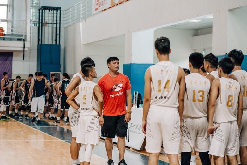 青年高中執行教練鄧安誠。(主辦單位提供)