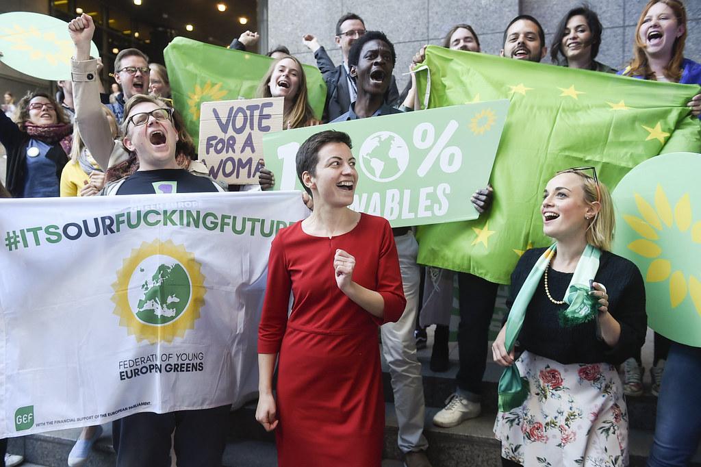 居中者:代表歐洲綠黨角逐歐盟委員會主席的凱勒(Ska Keller)。圖片來源:European Parliament(CC BY 2.0)