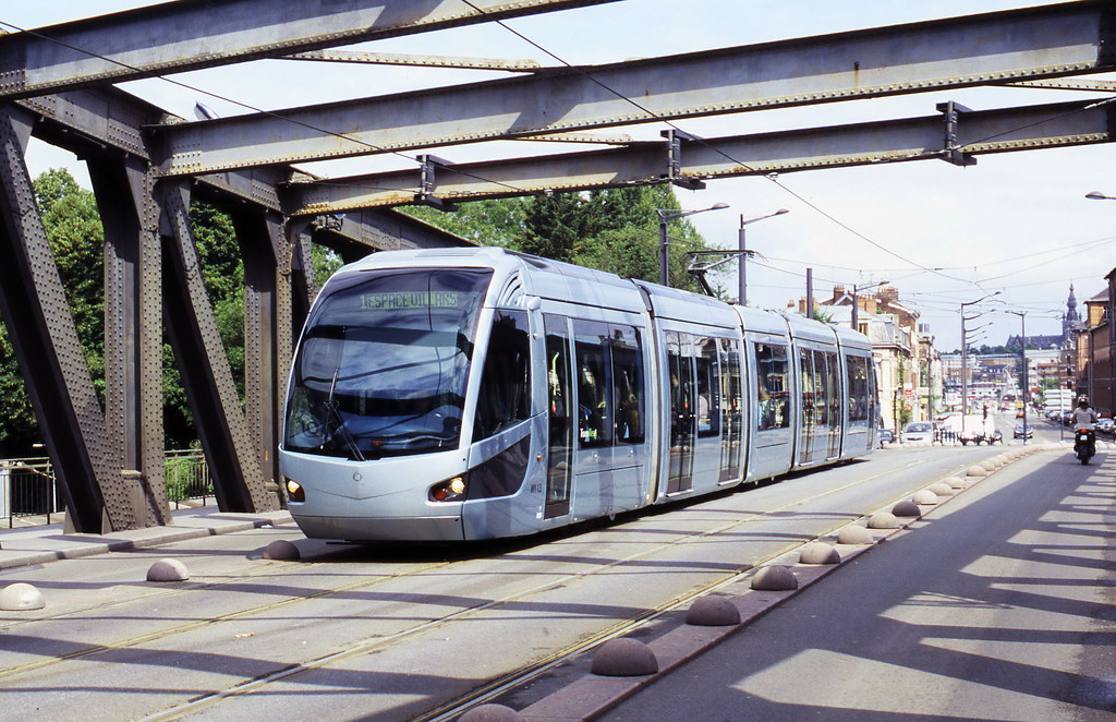 tram M1 13 ligne 1 , Avenue de Dunkerque
