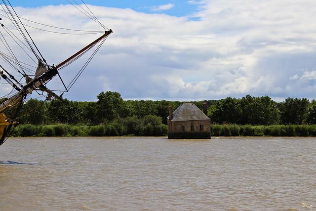Devant la Maison dans la Loire