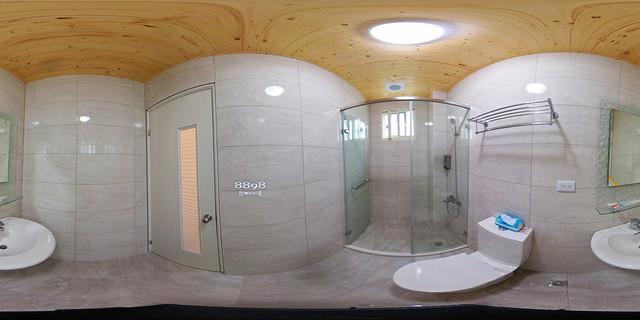 02-2三人套房衛浴