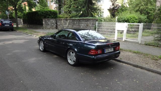 ab 1998 Roadster der Oberklasse nach facelift von Daimler-Benz Baureihe R129 Wendenschloßstraße in 12557 Berlin-Wendenschloß