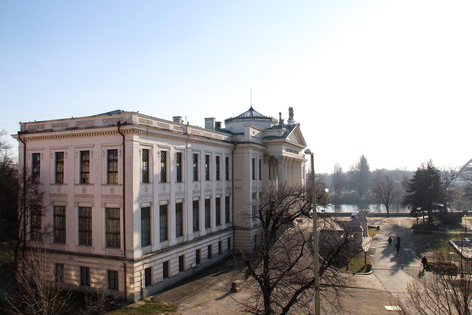 Aláírták a Móra Ferenc Múzeum felújítását