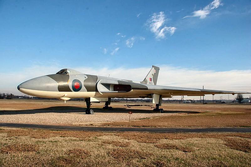 Avro Vulcan B2 (XM606) 00004