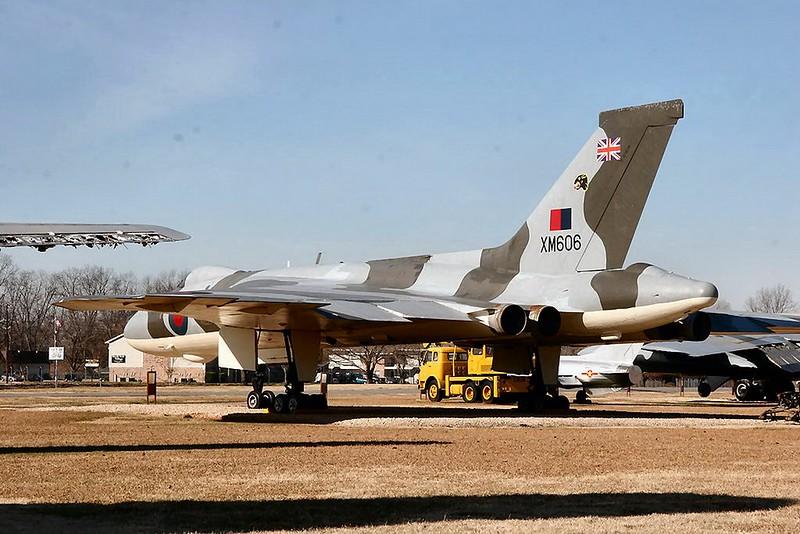 Avro Vulcan B2 (XM606) 00001