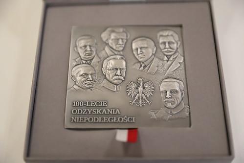 Medal 100-lecia odzyskania niepodległości dla Kard. Stanisława Dziwisza | 29.05.2019. r