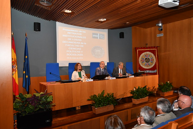 Presentación de los retratos institucionales de los decanos de la Facultad de Ciencias Políticas y Sociología de la UNED (28/05/19)