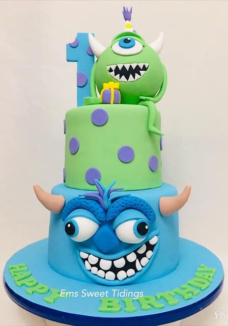 Cake by Emily Villamor of Ems Sweet Tidings