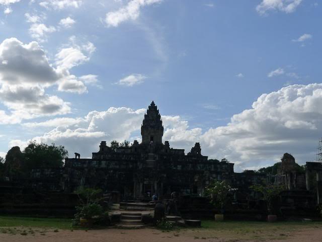 059-Cambodia-Roluos