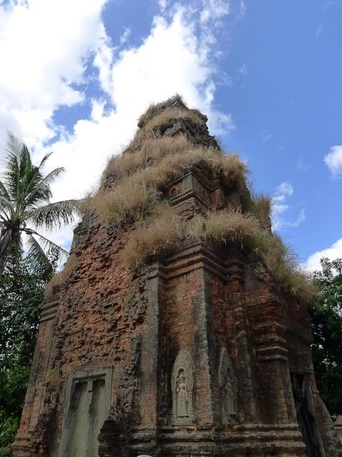 056-Cambodia-Roluos
