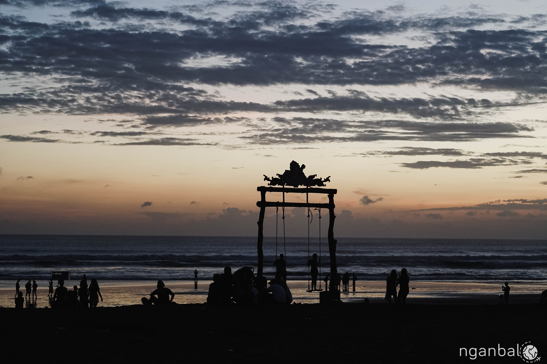 du lịch bụi Bali - biển Kuta